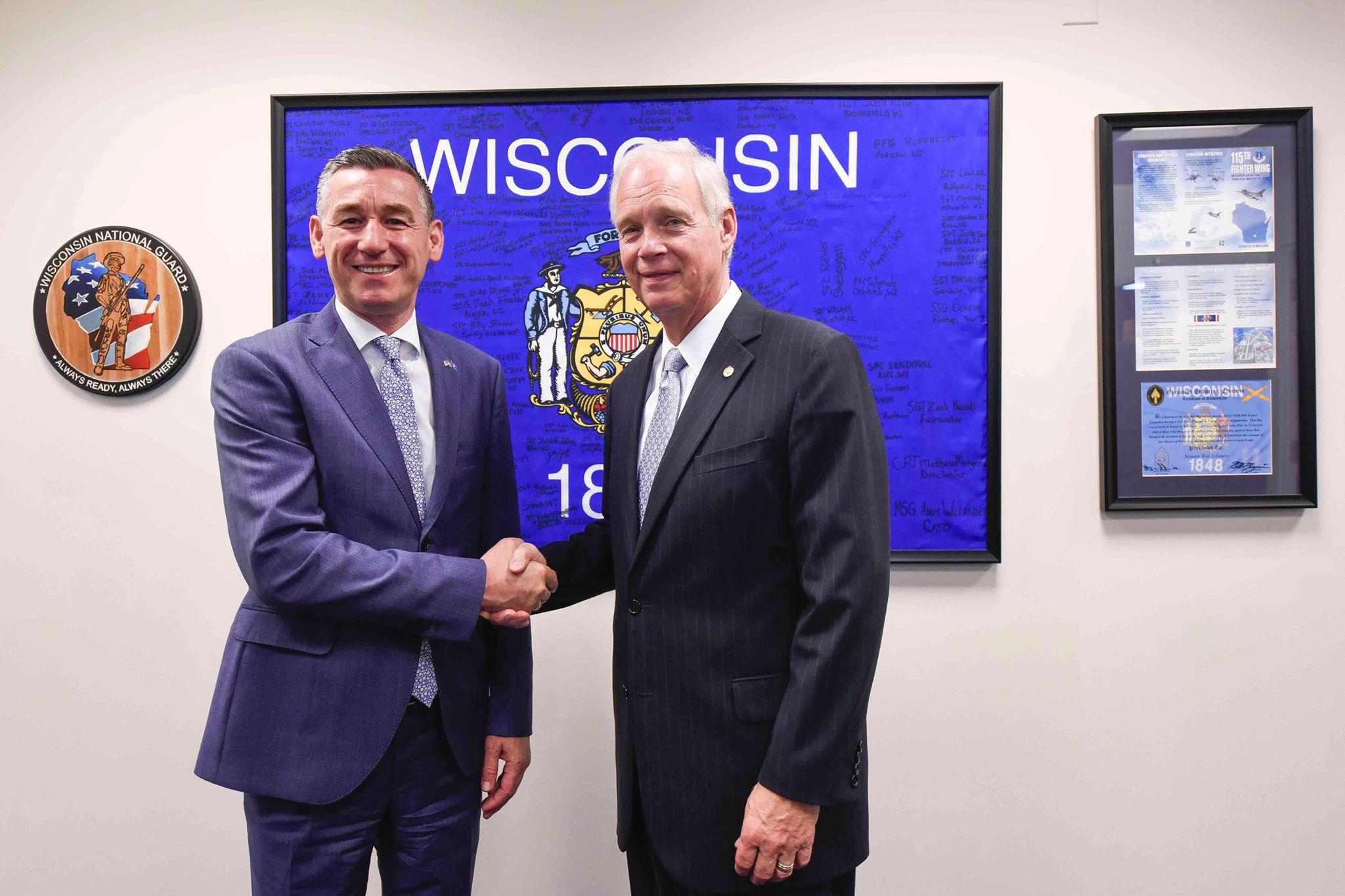 Veseli me Senatorin Ron Johnson  Kosova e gatshme për fazën finale të dialogut