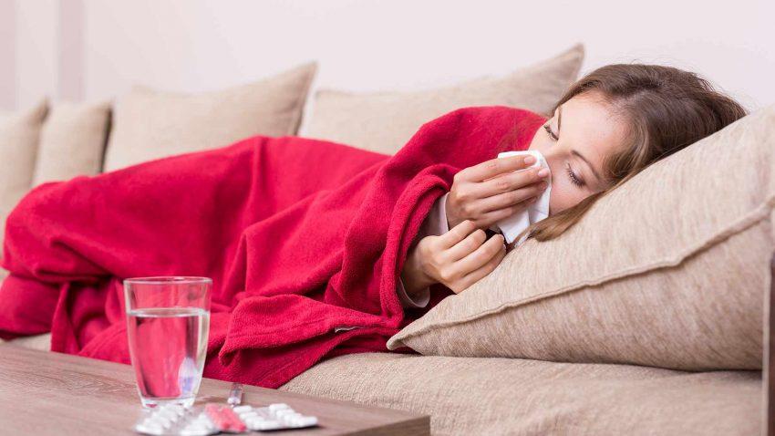 Veprimet që duhet të bëni kur e shihni se po ju zë gripi