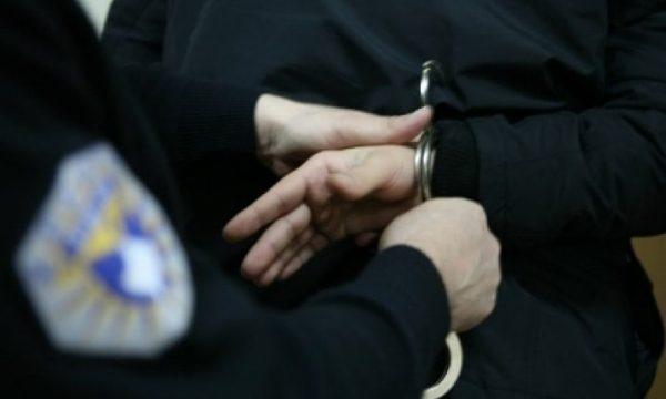 Ia vodhi kuletën pasi tërhoqi para nga bankomati  policia arreston të dyshuarin brenda ditës