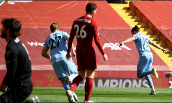 Liverpooli humb pikë në Anfield për herë të parë pas 24 ndeshjeve