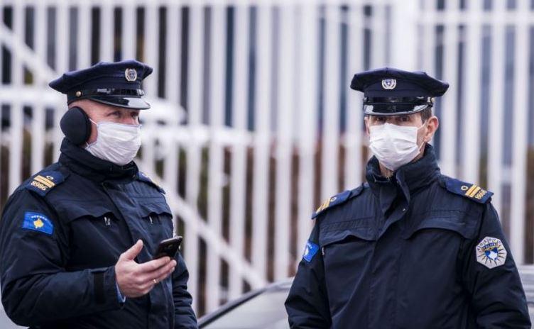 Policia gjobit 446 persona për mos respektimin e masave anti Covid